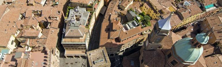 Bologna: satellite navigation to smoothen public bus traffic flows
