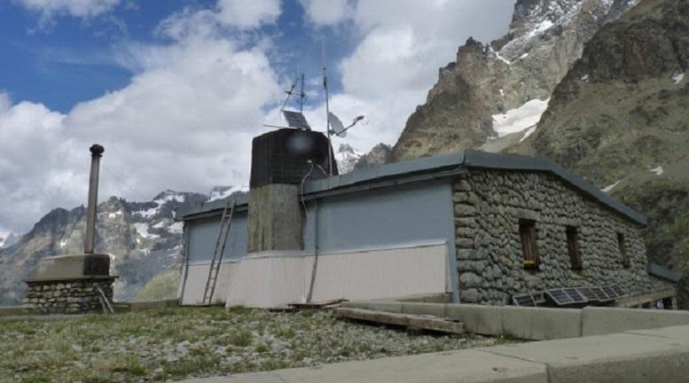 The Alpine Club uses satcom against the digital divide